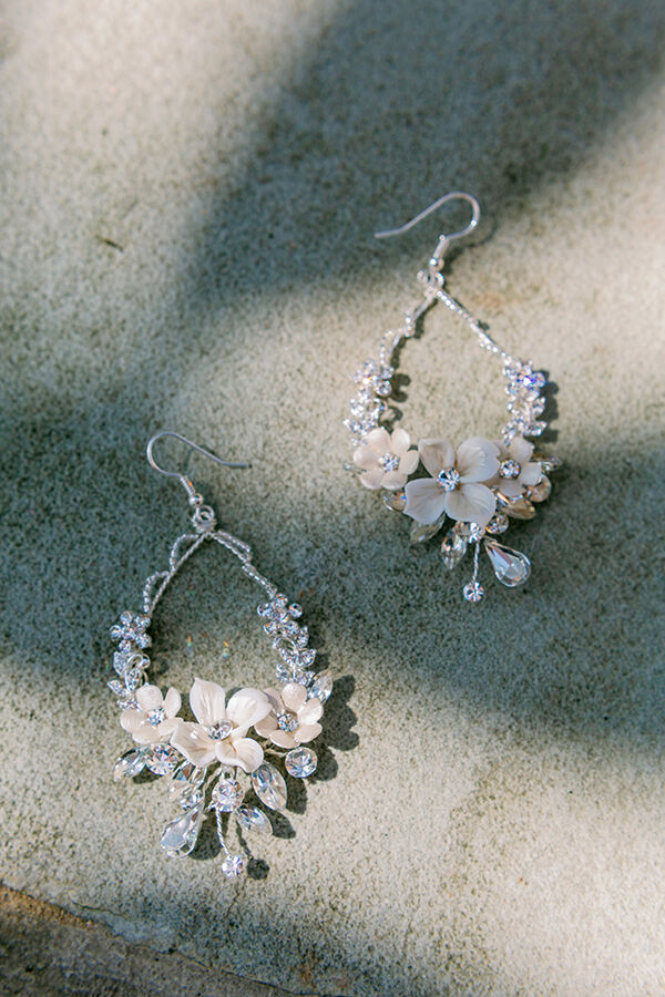 STATEMENT FLORAL DROPS