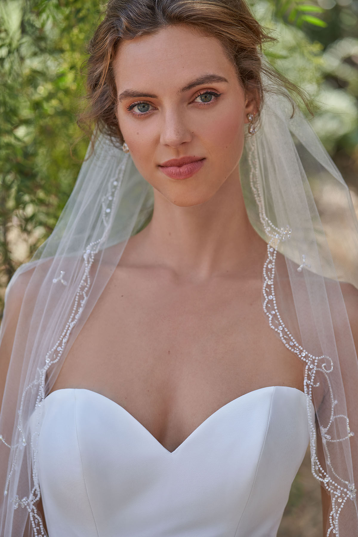 ORNATE CATHEDRAL VEIL