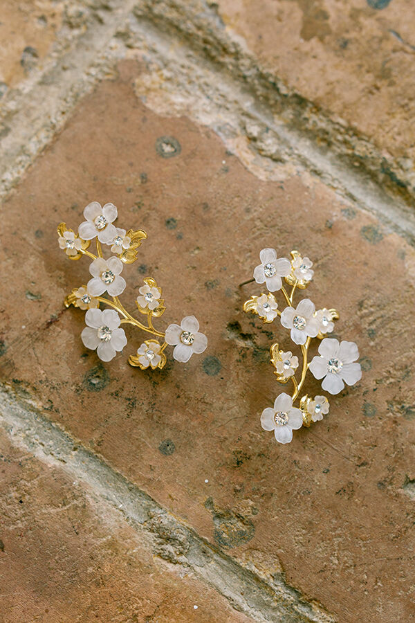 STATEMENT FLORAL EARRING