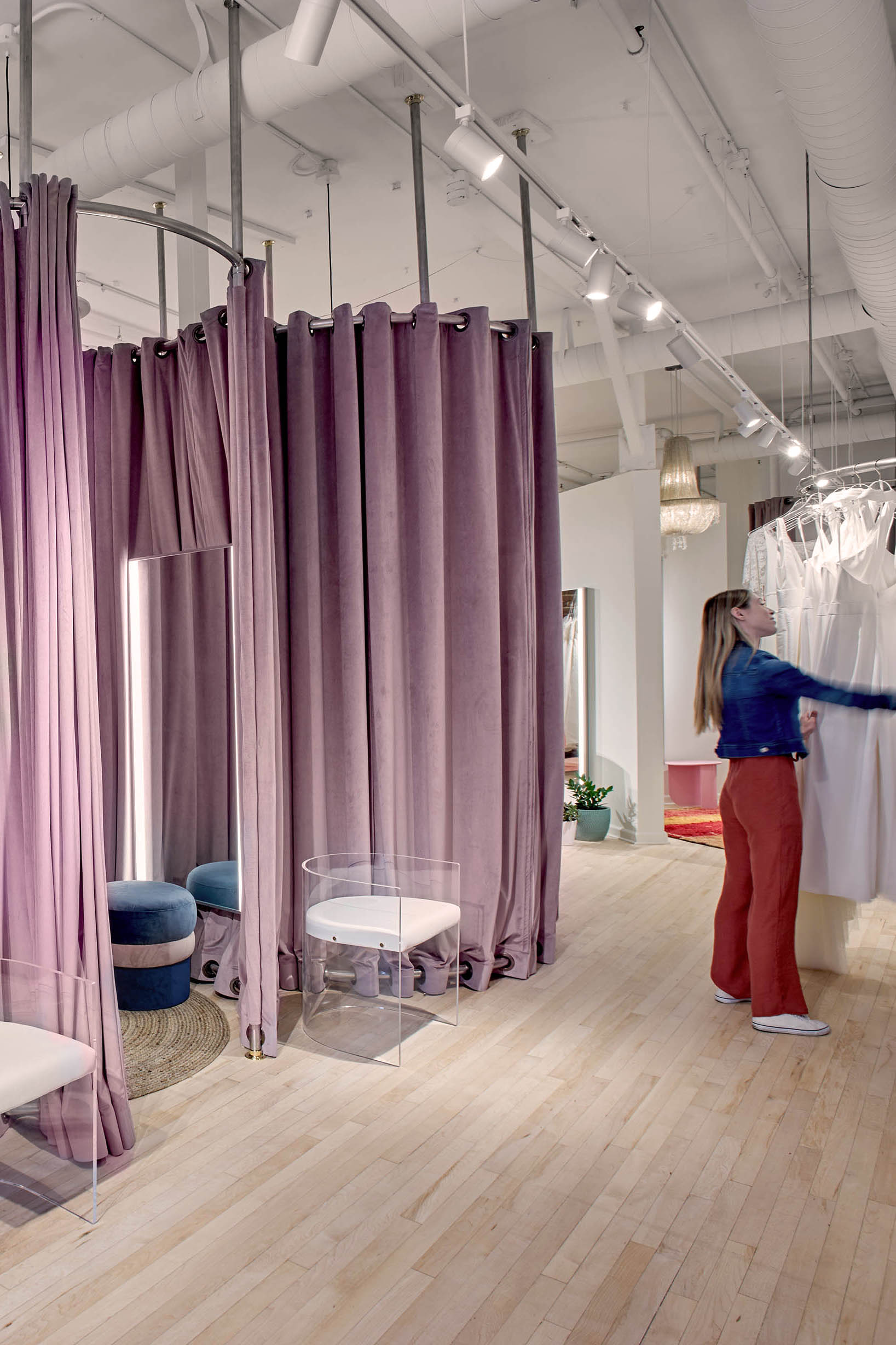 Vow'd Knoxville Store Fitting Room